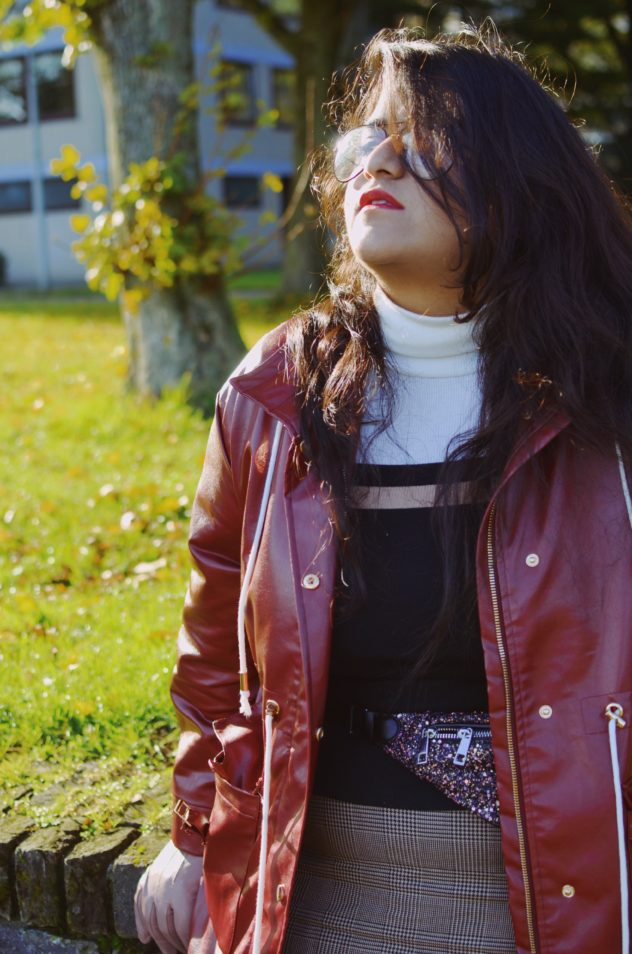 TrendWatch: 90s Leather Jacket is Back!