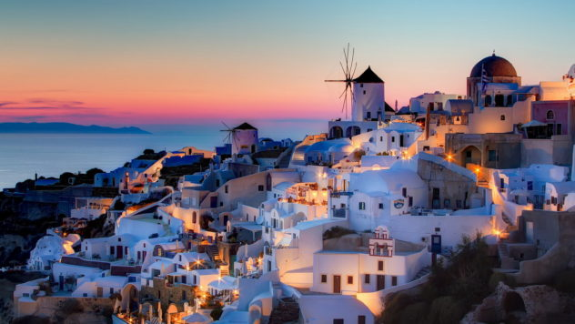 Santorini Greece 2019 Travel list Style